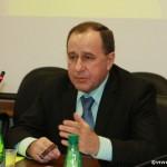 профессор Дегтярев открывает заседание клуба